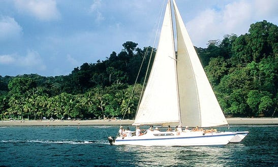 Luxury ''spanish Dancer'' Cruising Catamaran Charter In Costa Rica