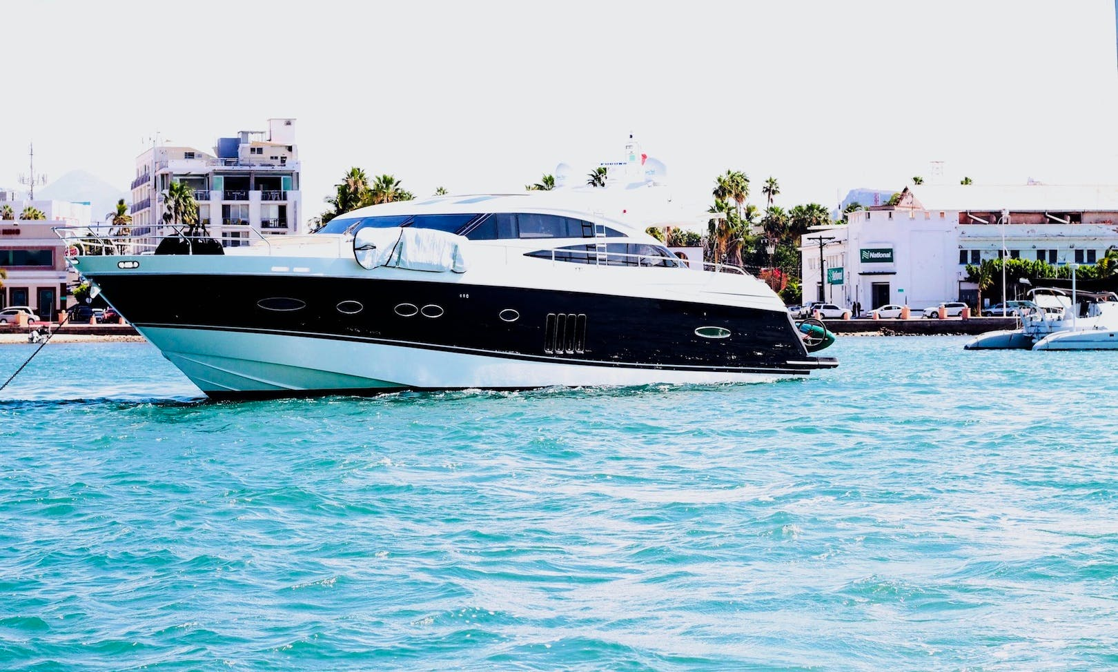 PRINCESS V78'  LA PAZ MEXICO - LUXURY YACHT FOR CRUISING THE SEA OF CORTEZ