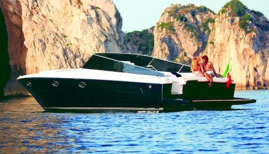 Charter 40' Itama Pegasus - Motor Yacht In Capri, Italy