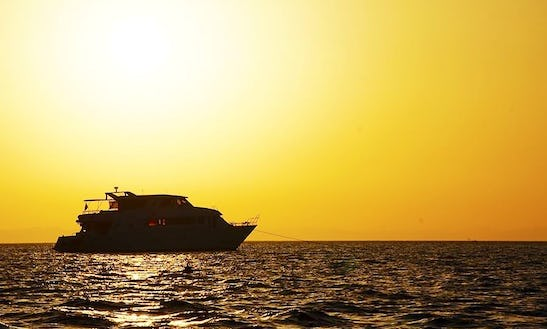 Cruise & Kiteboarding In Red Sea Governorate