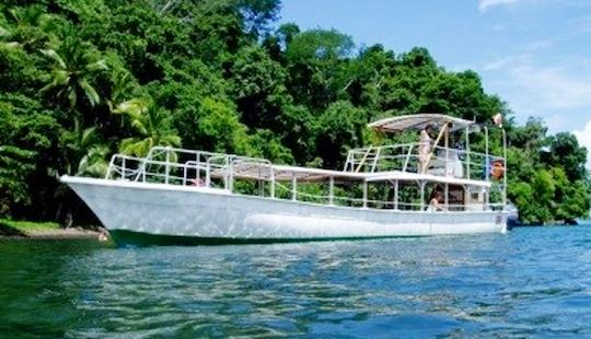 Charter A Passenger Boat In Provincia De Puntarenas, Costa Rica