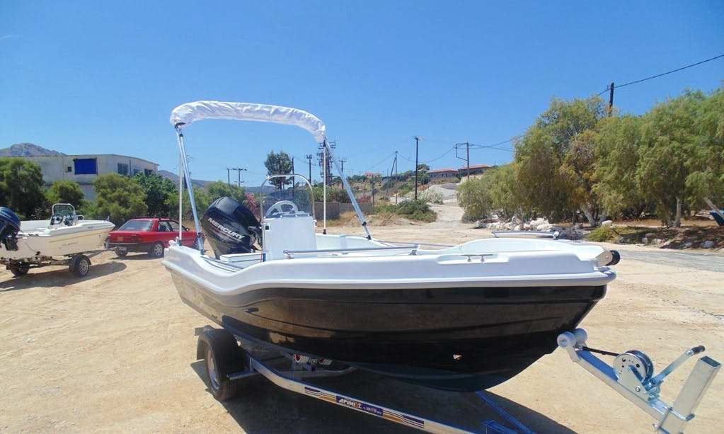Rent 15' Nireus Center Console in Egina, Greece