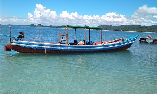 Rent Silver Sea Dinghy In Thandwe, Rakhine