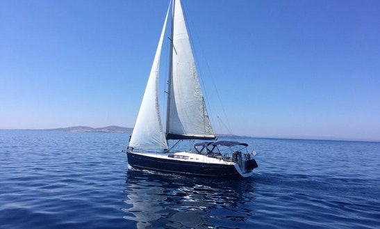 Charter Cruising Monohull In Mikonos, Greece
