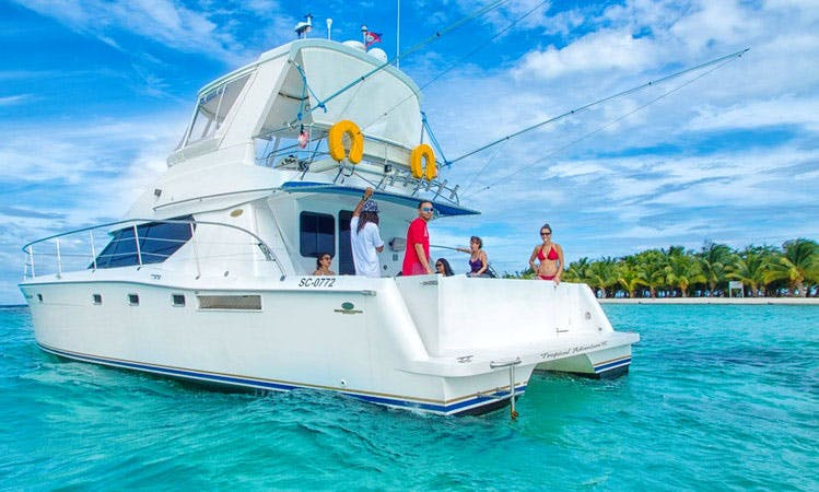 """Luxurious 46 ft Power Catamaran Charter on the """"Wild Orchid"""" in Belize"""