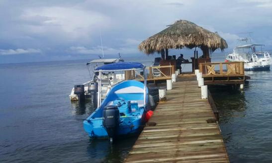 Fishing For 4 People In Islas De La Bahía, Honduras On Center Console