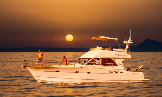 Charter 46' Antares Motor Yacht In Rethymno, Greece