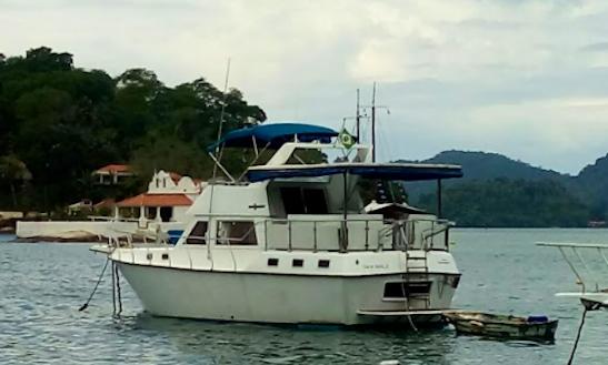 Charter 40' Motor Yacht In Angra Dos Reis, Brazil