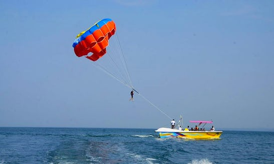 Have Fun & Laughs While Parasailing In Malvan, India