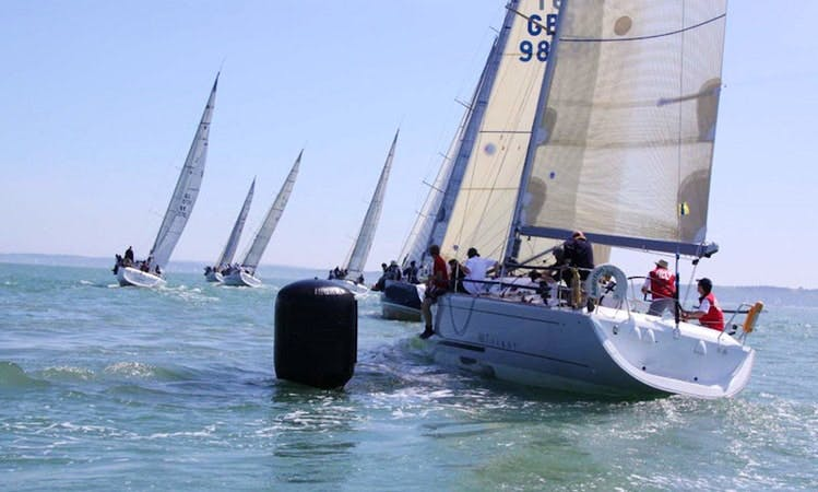 Cruising Monohull Beneteau 40.7s  Charter in Hamble-le-Rice