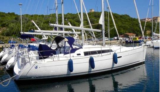 Charter Beneteau  Oceanis 37 In Santa Teresa Gallura