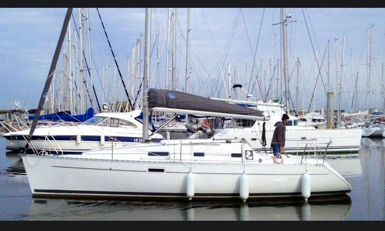 "Cruising Monohull Luxurous Oceanis 311 ""Byron"" Charter in Punta Ala"