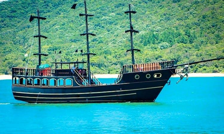 72' Pirate Boat Sailing Adventure In Florianópolis