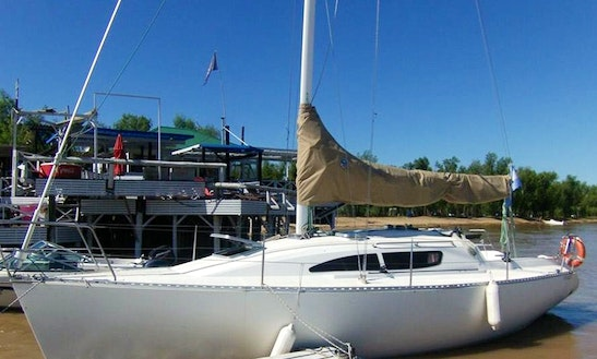 Captained Charter For 5 People Aboard A Beautiful Sailboat In Rosario, Argentina
