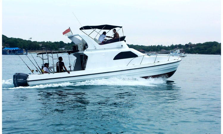 "Luxury Cruising Charter on 38ft ""Padi"" Motor Yacht in Nusa Lembongan, Bali"