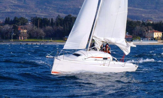 Fast Wave-30 Daysailer Rental In Trogir
