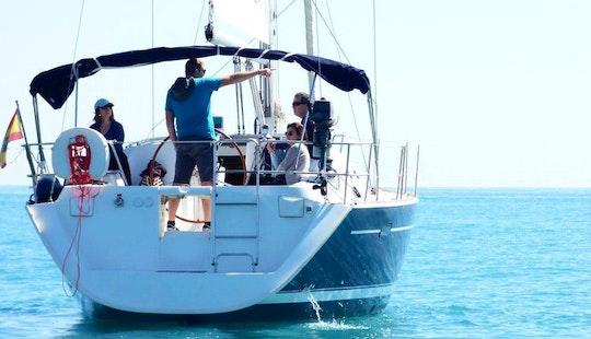 Cruising Monohull Rental In Benalmádena