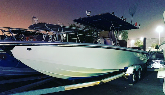 Charter 32' Center Console In Abu Dhabi, United Arab Emirates