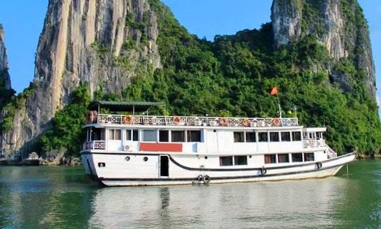 Multi-day Cruising Tour In Thành Phố Hạ Long, Vietnam
