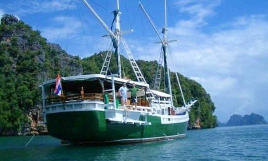 Experience The Traditional Motor Sailor