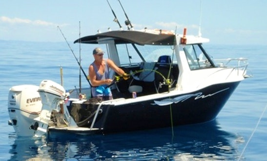 Enjoy Fishing In Mangawhai Heads, Northland With Captain Tony