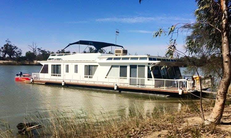 Hire Houseboat in Morgan, South Australia