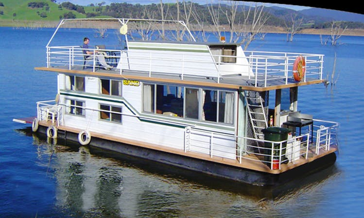 "Captained Luxury Houseboat Hire ""Sandgroper"" in Eildon, Victoria, Australia"