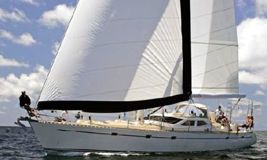 Sailing Mega Yacht Private Charter In Honolulu