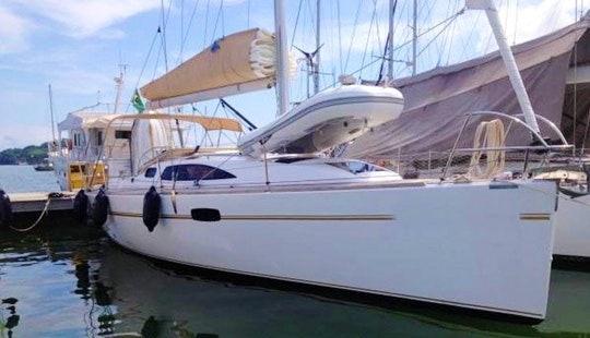 Charter Wind 34´ In Paraty