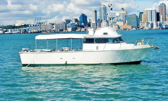 Enjoy Fishing In Auckland, New Zealand With Captain Dave