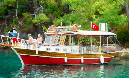 Charter This 10 Person Red Motor Yacht In Muğla, Turkey