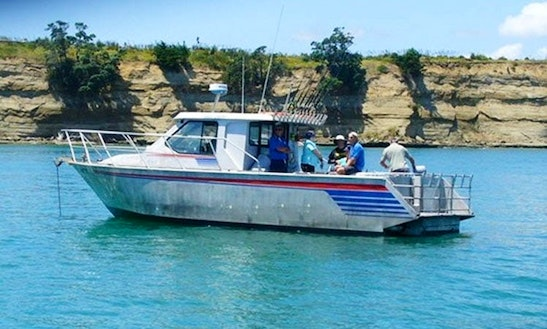 Auckland Fishing Charter On 33ft