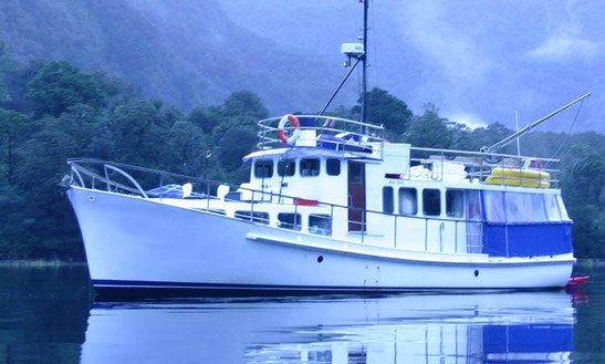 Luxury  'mv Pembroke' Charter In Southland