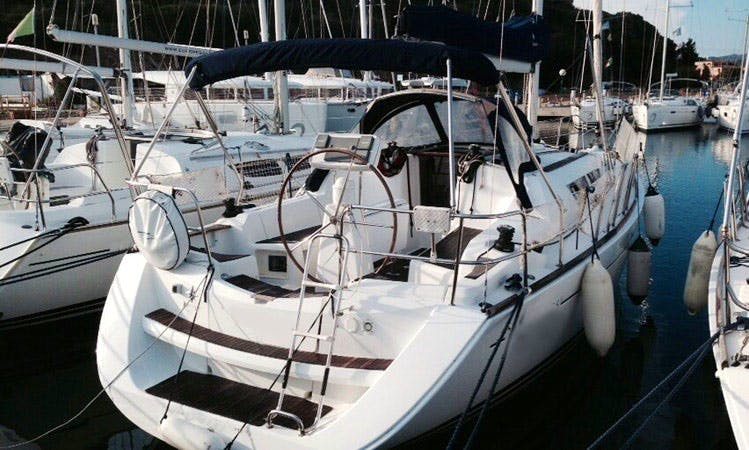 Jeanneau Sun Odyssey 36i Cruising Monohull Charter for 7 People in Salerno, Italy