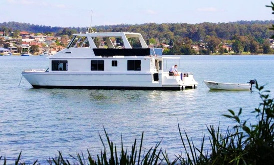 Houseboat Hire In Toronto