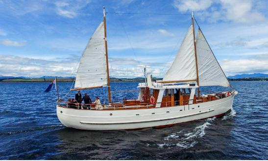 Enjoy Sailing On 65ft