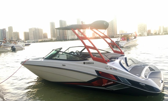 Explore Miami Beach On A 19' Jetboat