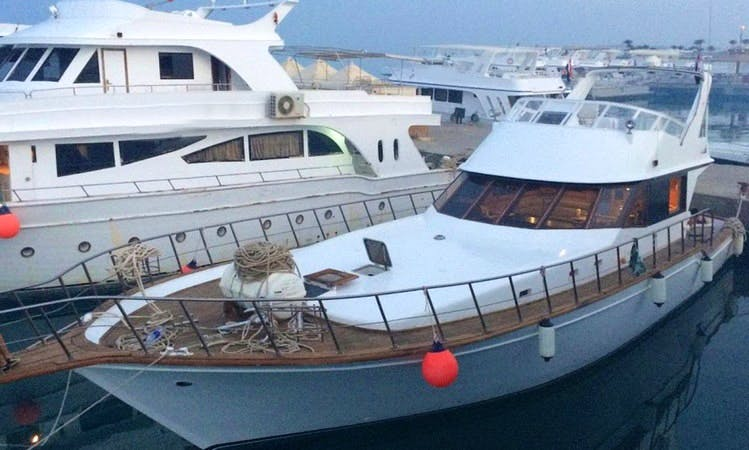 Wooden Design Motor Yacht for 6 People in Hurghada