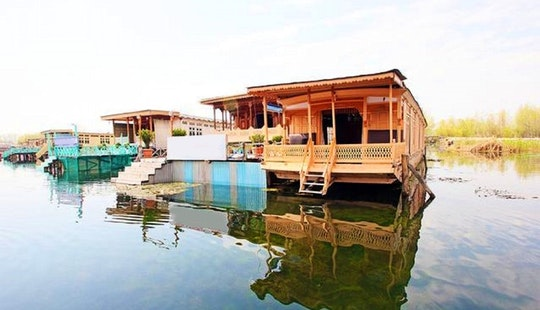 Rent A Houseboat For The Weekend In Himachal Pradesh, India