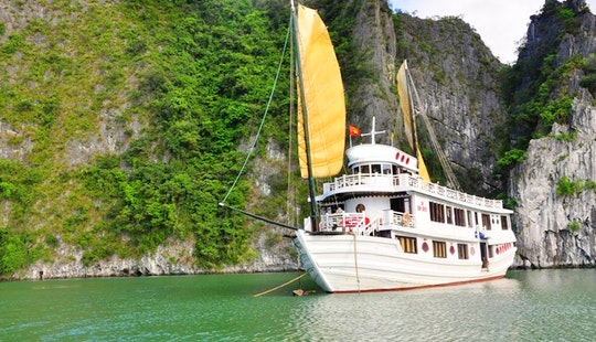 Boat Cruise In Hà Nội, Vietnam