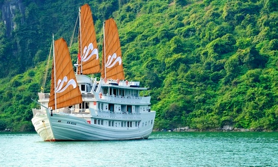 2 Days / 1 Night Stay Aboard Traditional Vietnamese Junk Boat In Halong, Vietnam