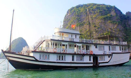 Unforgettable Junk Boat Cruise With Amazing Boat Service In Hà Nội, Vietnam