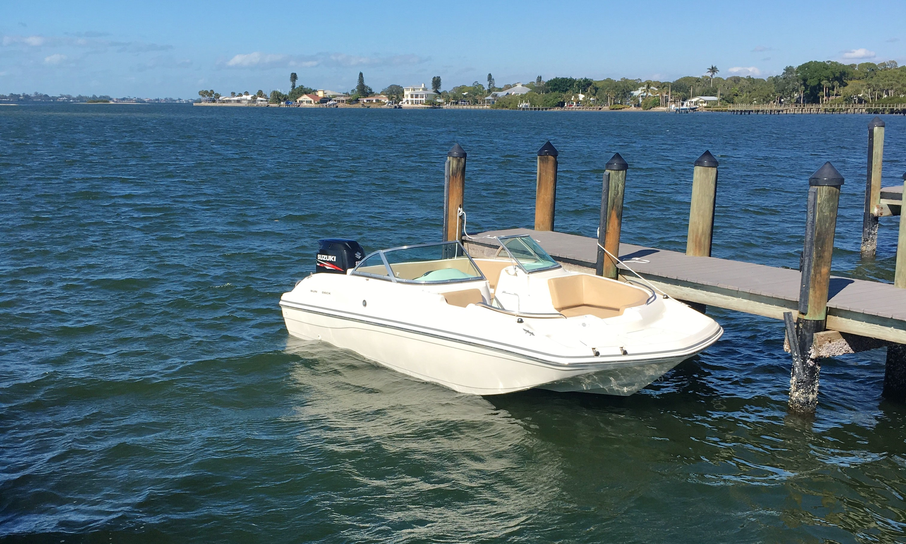 hot sale online c48a1 6a13c Deck Boat Rental in Sarasota, Florida