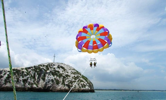 Enjoy Parasailing In La Ermita, Panama