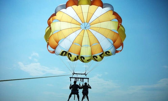 Enjoy Parasailing In Devbag, India