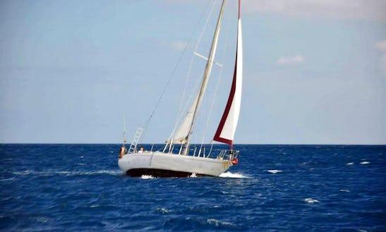 Charter 36' Sailing Yacht In Yaiza