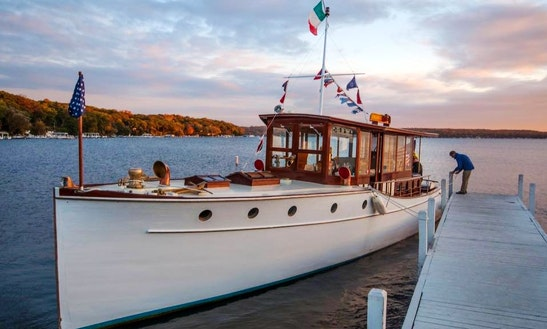 42' Trawler Rental In Fontana-on-geneva Lake, Wisconsin