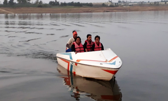 Charter A 4 Person Dinghy In Rajanashiriyur, India