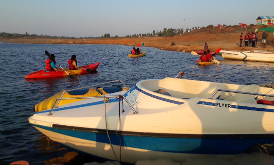 Charter A 6 Person Dinghy In Rajanashiriyur, India
