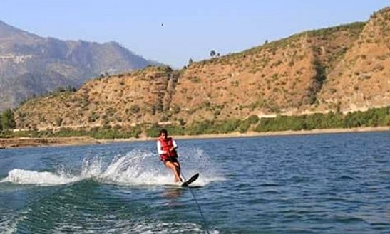 Enjoy Water Skiing In Tehri, India
